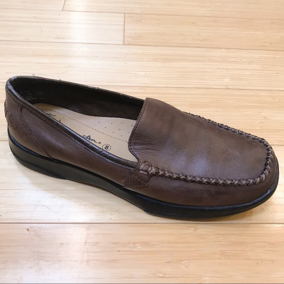4717b9fa201 Thom McAn Brown leather loafers